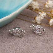 Koponya cirkónium kristály beszúrós fülbevaló, fehér