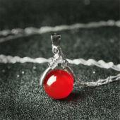 Maria King ezüstözött nyaklánc agate köves medállal - piros
