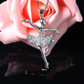 Kecses kristályszoknyás balerina medál nyaklánccal, 60 cm