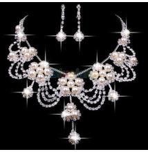 Csillogó-villogó mesterséges gyöngy és strassz nyaklánc és fülbevaló  esküvői ékszer szett 00697e6a28