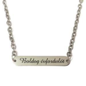 Boldog évfordulót-feliratú-nyaklánc-tüköracél-lapocskával