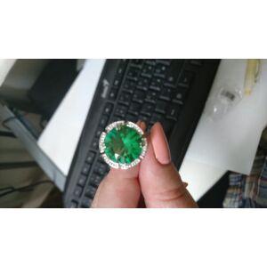Ezüstözött gyűrű zöld kristály dísszel, több méretben