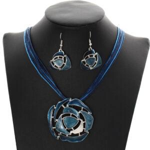 Bőr és zománc nyaklánc medállal és fülbevalóval, kék