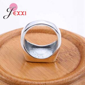 Ezüstözött kereszt motívumos pecsétgyűrű, 10