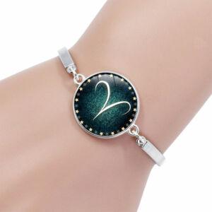 Csillagjegy karkötő, szép zöld medállal, bika (Taurus)