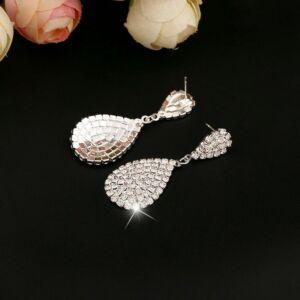 kristályokkal kirakott csepp alakú fülbevaló