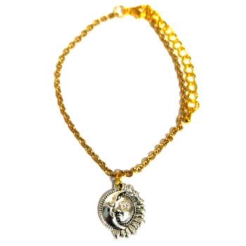 Nap-Hold-medál-választható-láncra-vagy-karkötőre