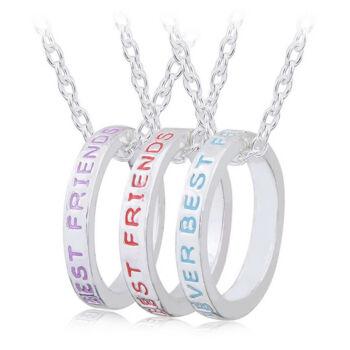 Legjobb barátok örökké - hármas nyaklánc karika medállal, színes feliratokkal