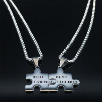 Legjobb barátok (Best friends) két db medál nyaklánccal - prémium, ajándékdobozzal