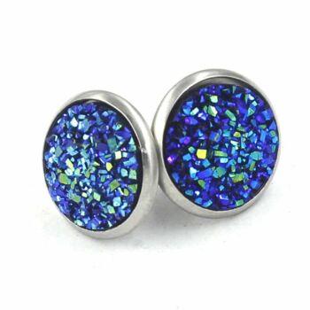 Nemesacél fülbevaló kristályokkal kirakva, kék - 1,4 cm