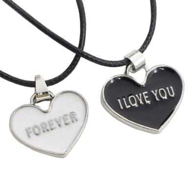 I love You - Forever fekete-fehér páros szív medál bőr nyaklánccal
