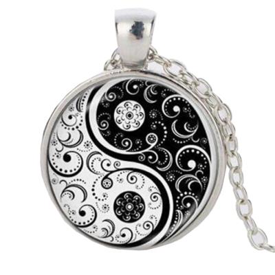 Yin Yang cirádás medál nyaklánccal