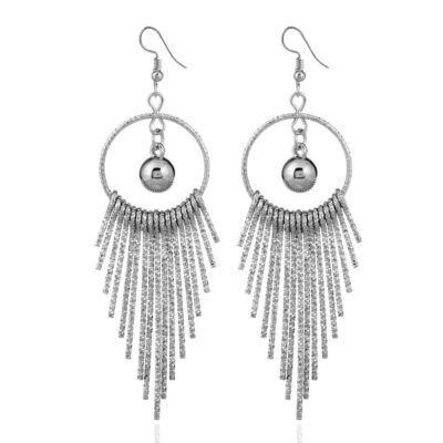 Feltűnő, divatos hosszú fülbevaló - ezüst színű