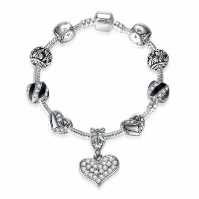 Ezüstözött Pandora stílusú Charm karkötő, fekete zománccal és kristály szív charm-mal, 18-19 cm