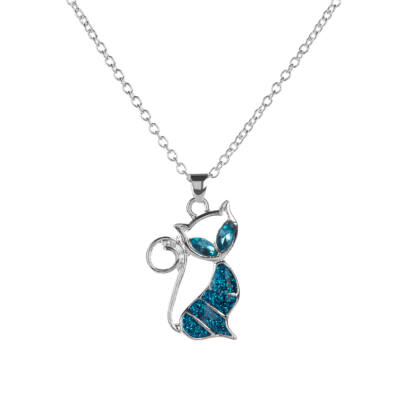 Kecses mesterséges opál kék cica medál nyaklánccal