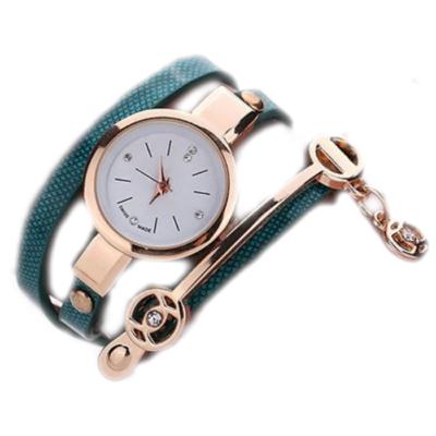 Hosszú műbőr szíjas karkötő óra, kékes zöld