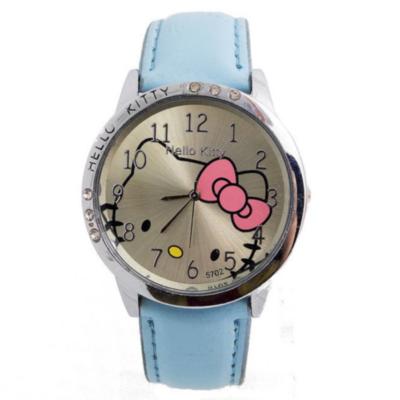 Hello Kitty cseppálló karóra kis kövekkel, kék szíjjal