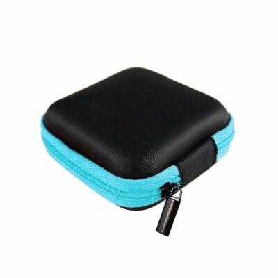 Praktikus kicsi dobozka fülhallgatónak, 8x8x3 cm, víz- és porálló