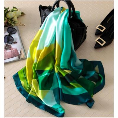 Gyönyörű selyemhatású kendő, zöld-sárga - 180x90 cm