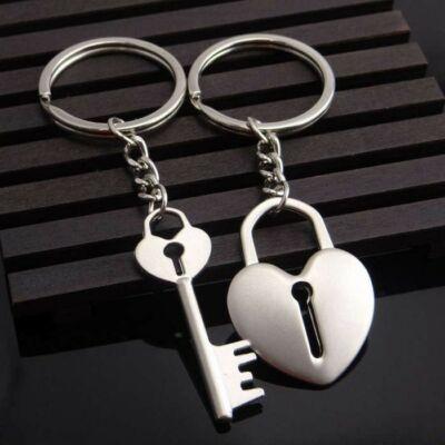 Szív és kulcs motívumos kulcstartó pároknak