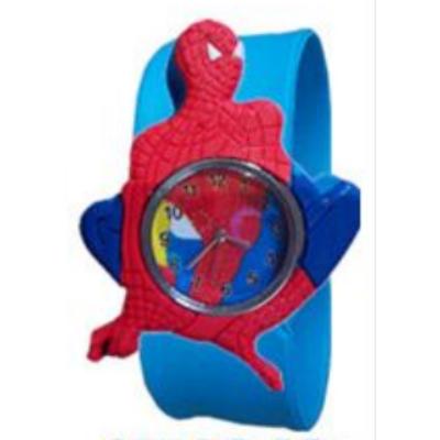 """Spiderman jellegű gyermek óra kék, """"csattanó"""" szíjjal"""