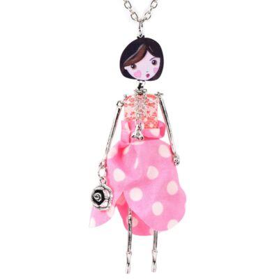 7080a3eb28 Kislány medálos nyaklánc rózsaszín ruhában - Nyakláncok, nyakékek ...