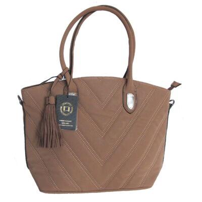 c29bfab8d2 Barna V alakban steppelt női táska - Női táskák - WebMall Webáruház ...