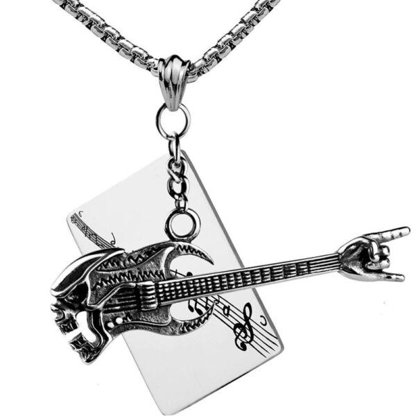 Nemesacél gitár és koponya medál és zenei motívumos dögcédula hangsúlyos nyaklánccal