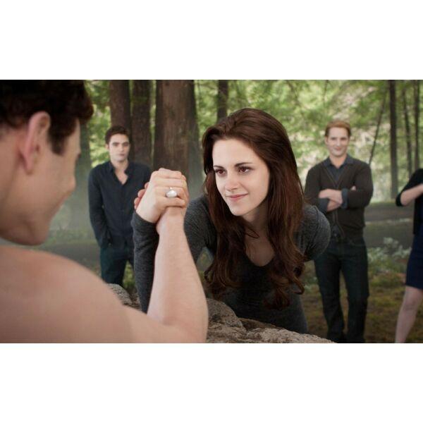 Bella gyűrűje a Twilight (Alkonyat) filmekből, 9