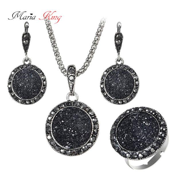 Maria King fekete kristályosan csillogó nyaklánc, fülbevaló és gyűrű szett