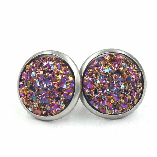 Nemesacél fülbevaló kristályokkal kirakva, arany-lila