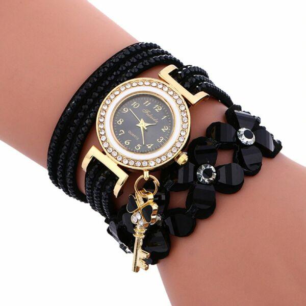 Hosszú műbőr szíjas ékszer karkötő óra kulcs és virág motívumokkal, fekete