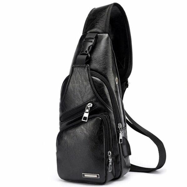 Maria King kicsi, kényelmes uniszex műbőr hátizsák (34x16x10 cm), fekete