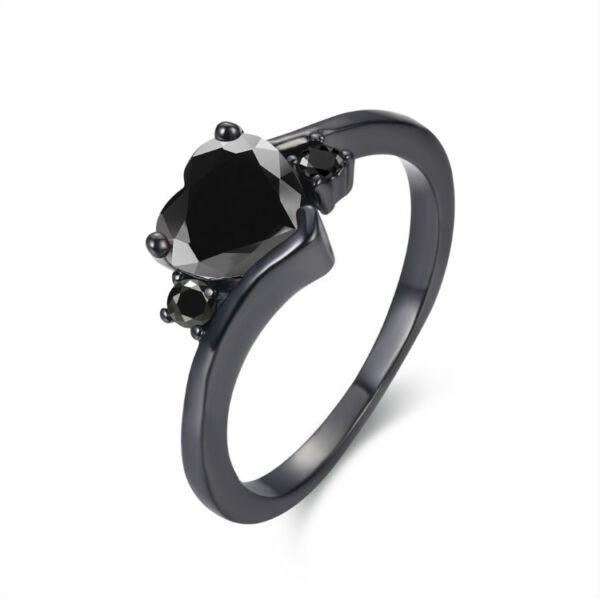 Fekete aranyozott szív cirkónium köves gyűrű, több méretben