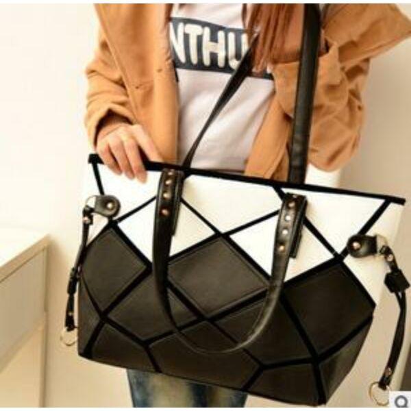 Geometrikus pakolós táska, fekete-fehér