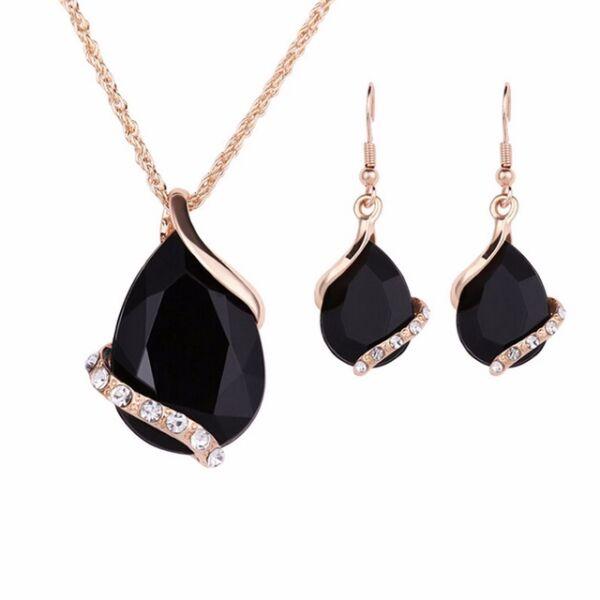 Hangsúlyos kristály nyaklánc és fülbevaló szett, fekete