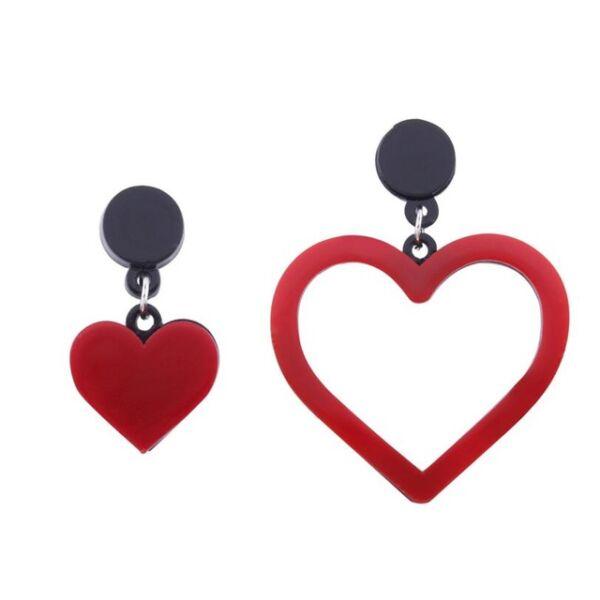 Piros aszimmetrikus szív fülbevaló