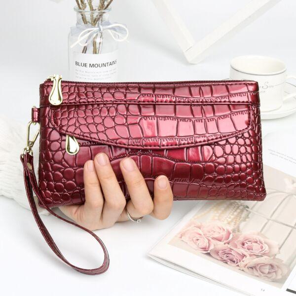 piros pénztárca