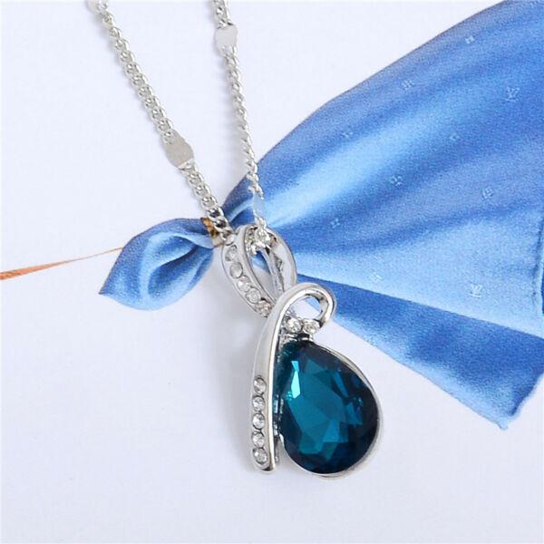 Esőcsepp formájú, kövekkel díszített medál nyaklánccal, kék kristállyal